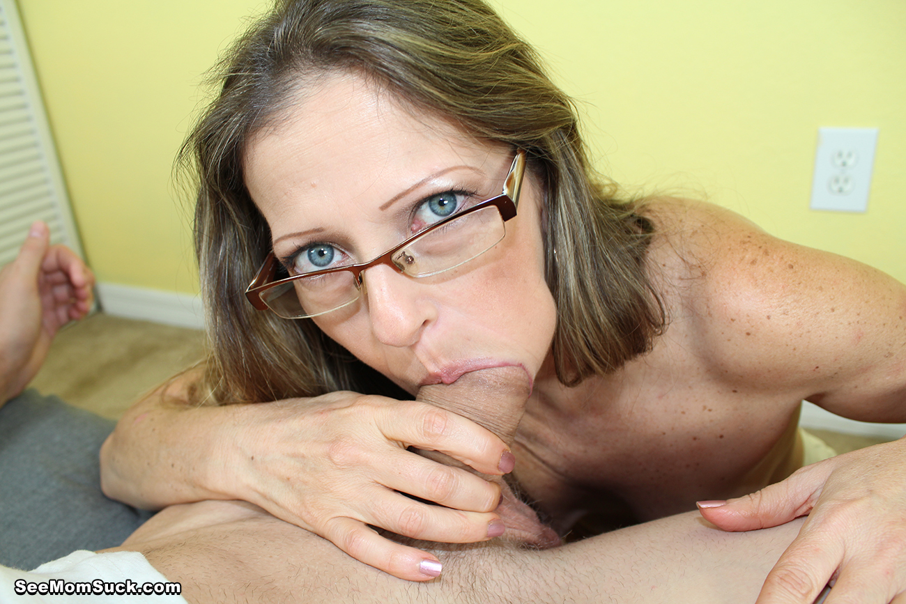 Moms who deepthroat cocks